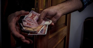 """""""300 евро за решение вопроса"""". Хотел дать взятку полицейскому, но был задержан НЦБК"""