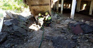 (ФОТО) В Вулканештах при демонтаже здания пострадал человек