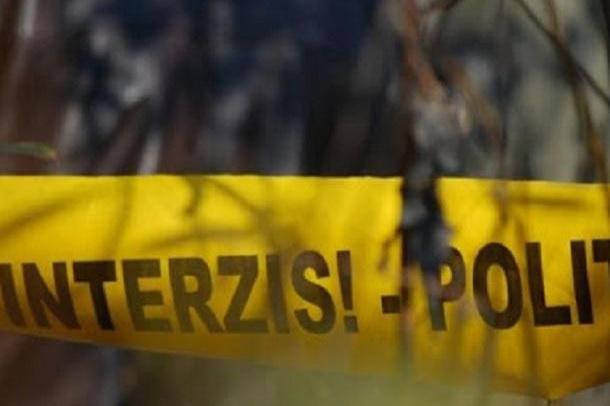 В поселке Буджак нашли мертвое тело женщины. Предположительно она была убита.