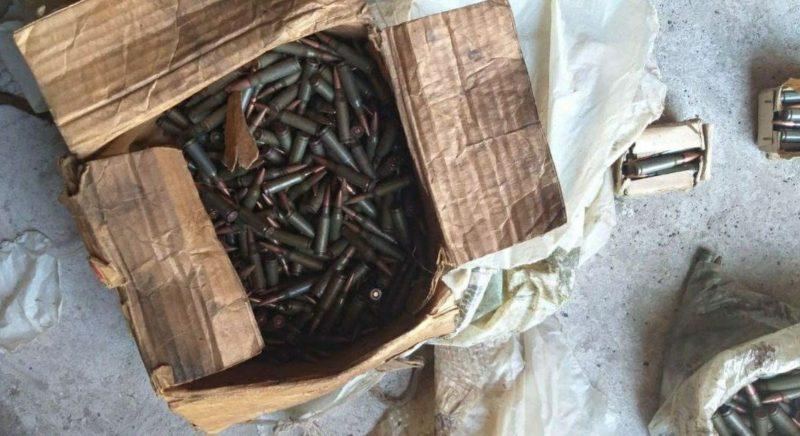 (Фото) У 66-летней жительницы Кэушень на чердаке нашли боеприпасы