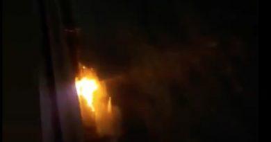 В Бельцах, трое молодых людей помогали в тушении пожара. Позже их задержала полиция