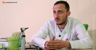 Врач-педиатр объявил о протесте. Он требует возобновить работу школ и детсадов в обычном режиме