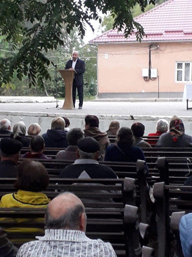 """""""Меня не назначала партия"""". В Вулканештах прошел сход граждан в поддержку мэра"""