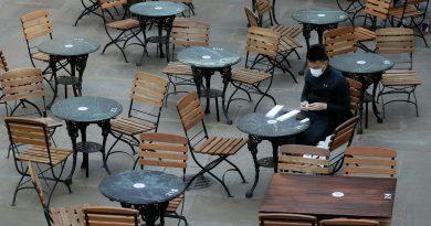 В Великобритании ввели карантин. До декабря закроют бары и рестораны