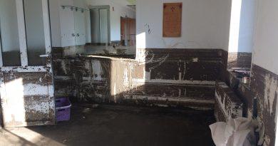 """""""Спустя месяц ничего не изменилось"""" (ФОТО) Как  выглядят дома и дороги, пострадавшие от наводнения в Комрате"""