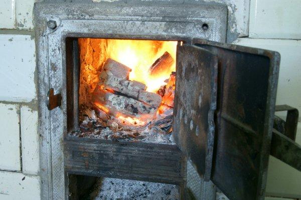 В селе Гайдар  два человека едва не отравились угарным газом. Один из них - ребенок