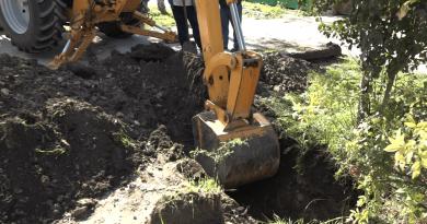 В Комрате во время работ по установке электрических столбов, повредили газопровод