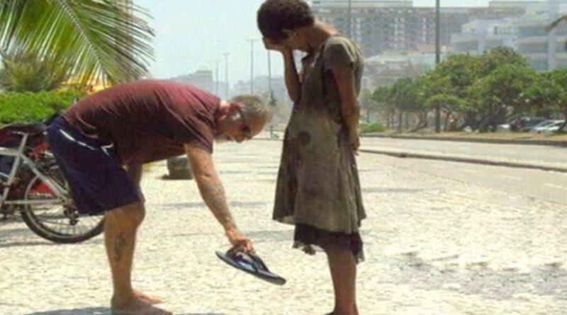 """""""Ее глаза наполнились слезами"""". Истории поступков людей ко всемирному дню доброты"""