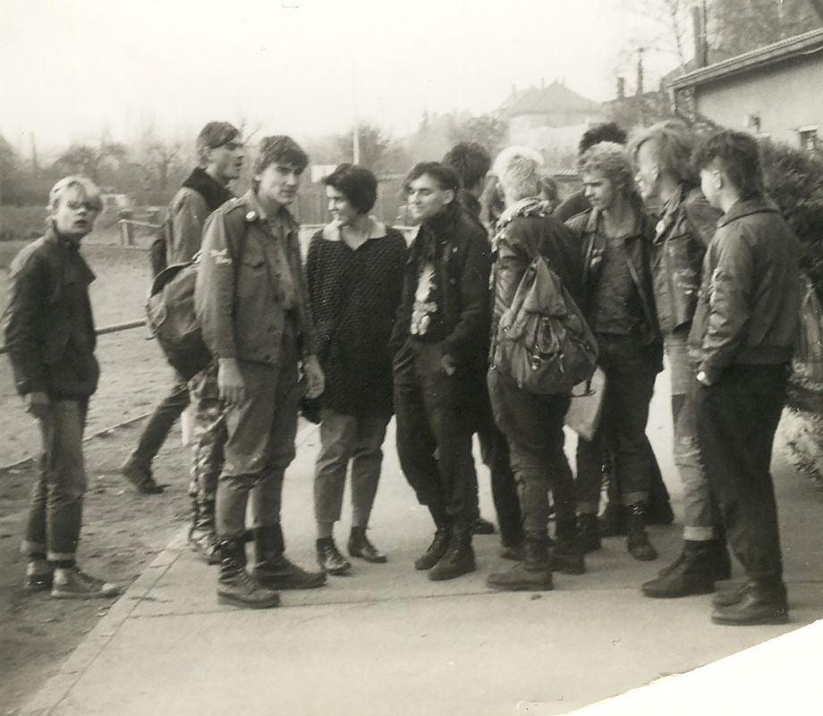 31 год назад начали рушить Берлинскую стену. Рассказ жительницы восточной Германии об этом событии