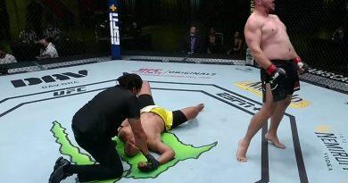 """(Видео) Александр Романов снова побеждает в UFC. Он получит 50 тыс долларов бонуса за """"Выступление вечера"""""""