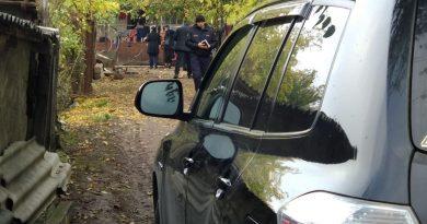 В Новоаненском районе мужчина взял в заложники несколько человек. Полиция провела спецоперацию