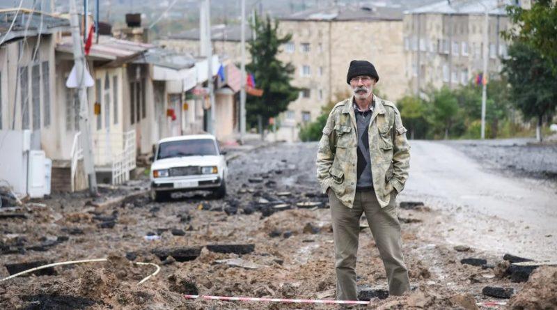 Азербайджан и Армения с участием России договорились о прекращении войны в Карабахе