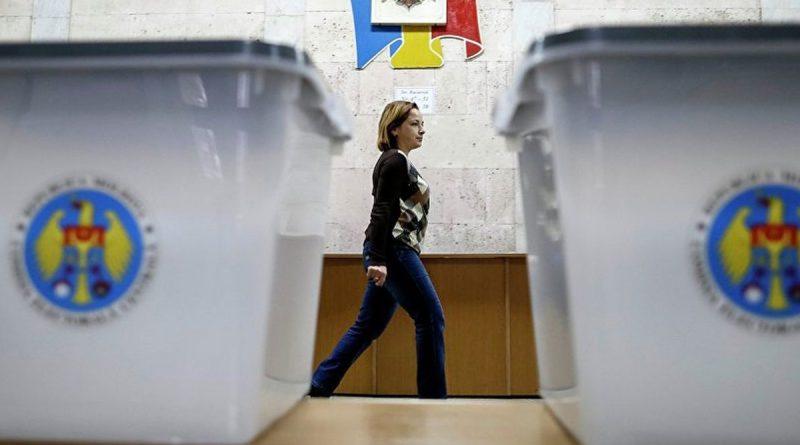 """""""Кандидаты не учитывают наши интересы"""". Почему в Молдове молодежь не активна на выборах?"""