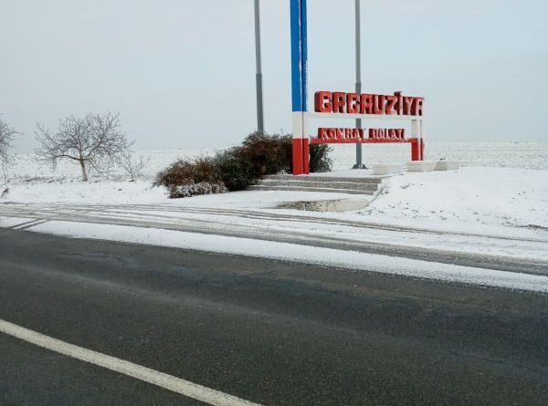 (Фото) Ситуация на дорогах в Гагаузии. Местами был гололед и снег