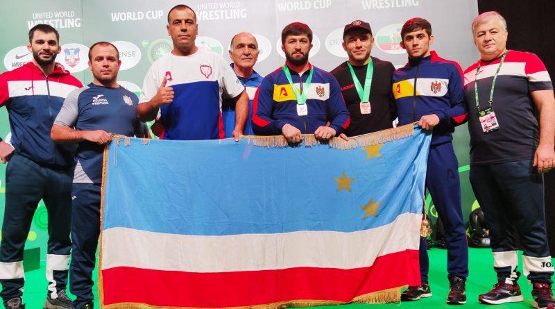 Гагаузские борцы завоевали серебро и бронзу на Кубке мира