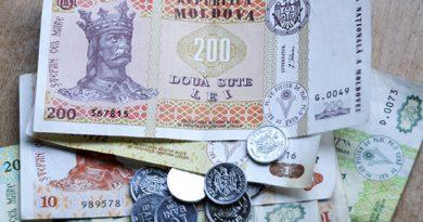 В сентябре каждый второй работник в Молдове получал зарплату менее 6 тыс. леев