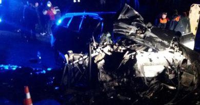 В Кагуле пьяный водитель перевернулся на машине. От удара автомобиля умерла молодая женщина