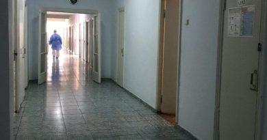 Парень, избитый ломом на АЗС во Флорешть, скончался в больнице