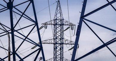 В Молдове из-за непогоды десятки населенных пунктов остались без электричества