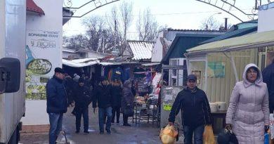В Чадыр-Лунге решили не закрывать рынки города, вопреки решению Национальной комиссии