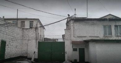 Алкоголь, азартные игры и мобильные телфоны. По итогам обысков в тюрьме Крикова задержан ее начальник