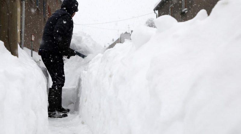 Житель Украины сообщил о мнимом убийстве, чтобы возле его дома расчистили снег