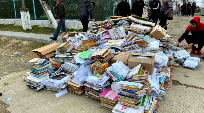 В Вулканештском районе школьники собрали 5,5 тонн макулатуры в рамках проекта «ЭкоЛогика будущего»
