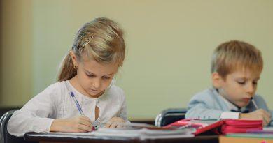 В Кишиневе школьники возвращаются за парты