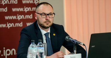 Литвиненко: похоже, ЧП вводят только, чтобы не допустить роспуска парламента