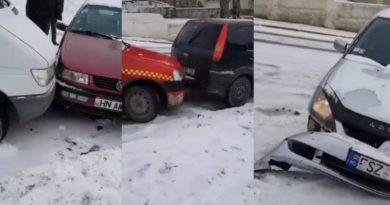 (Видео) В Хынчештах 10 машин столкнулись на скользкой дороге