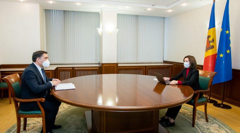 Санду предложила Стояногло помощь в расследовании миллиарда