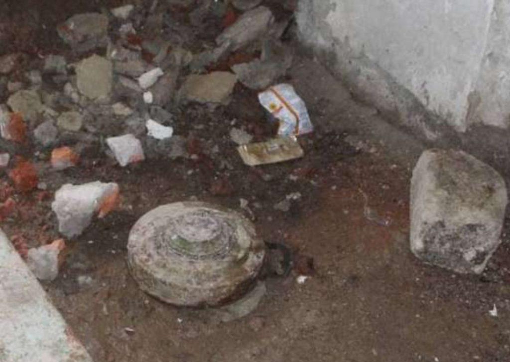 (Фото) В Глодянах в подвале жилого дома нашли противотанковую мину