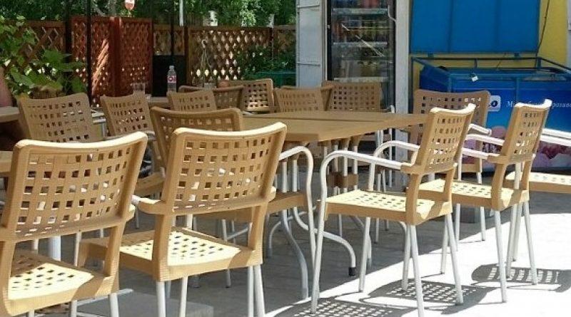 """""""В целях поддержки"""": Чрезвычайная комиссия Чадыр-Лунги разрешила барам и кафе работать до 22:00"""