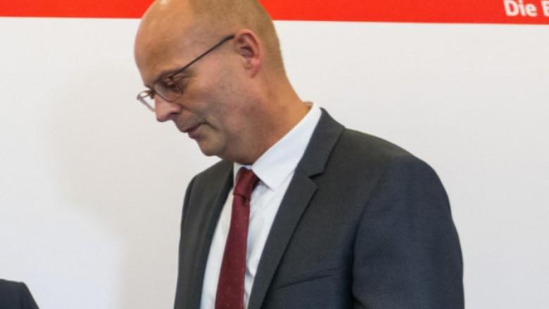 В Германии мэра города отстранили от должности за вакцинацию вне очереди
