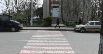 В Комрате жители просят установить светофор перед пешеходным переходом вблизи детсада №4