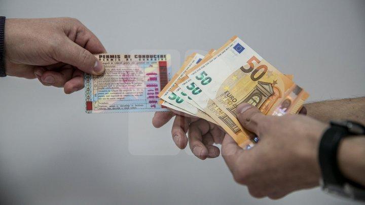 Бывший сотрудник автошколы задержан НЦБК. Он якобы за деньги обещал помочь людям получить водительские права