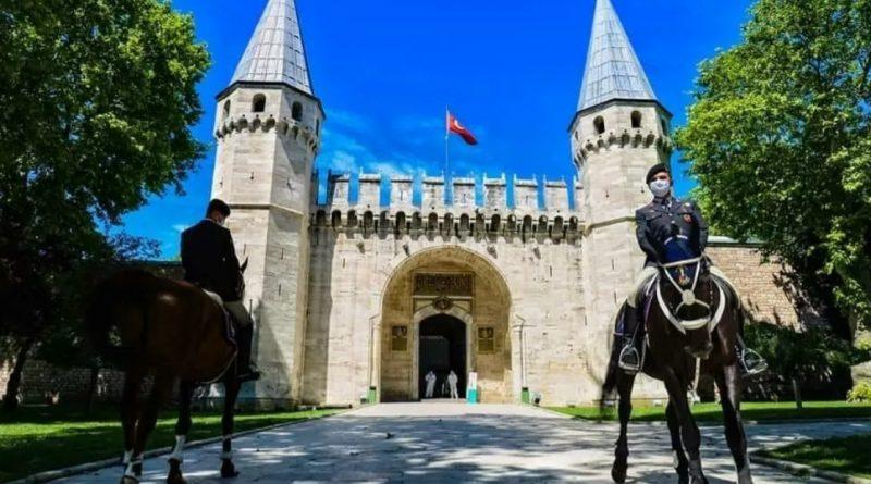 В Турции могут ввести тотальный локдаун из-за резкого роста заболеваемости COVID-19