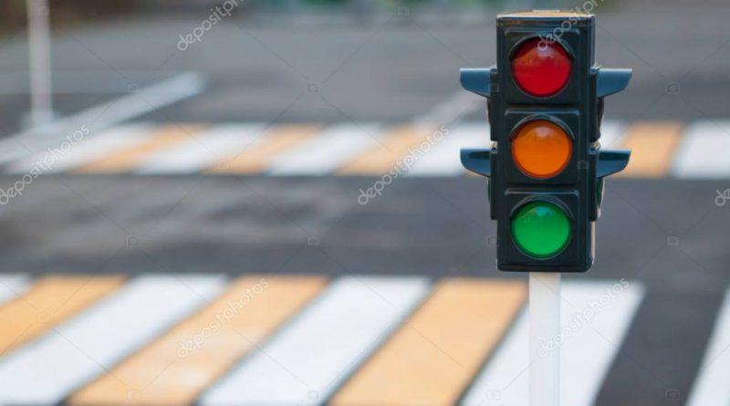 Министерство экономики рассмотрело петицию по  установке светофора перед лицеем в Комрате