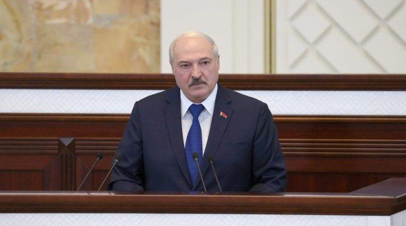 """В самолете находился террорист"". Как Лукашенко объяснил перехват Ryanair"