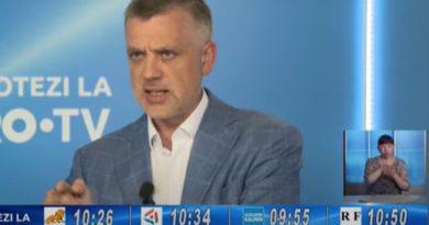 (Видео) Скандал на дебатах на Pro TV. Один из кандидатов бросил бутылку и просил задавать вопросы на русском