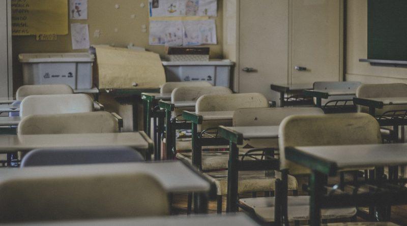 В Чадыр-Лунге оштрафовали отца за отсутствие ребенка в школе более месяца