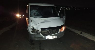 В Яловенском районе подросток погиб под колесами буса. Еще один  оказался в больнице