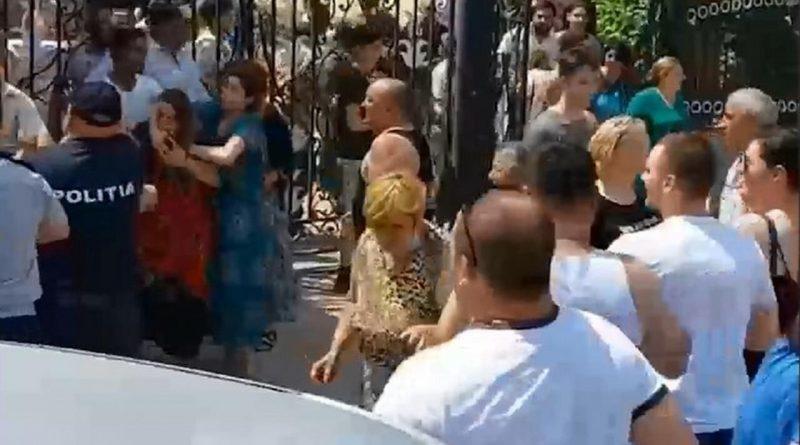 После массовой драки в Атаках семья девочки, к которой якобы приставали ромы, сообщила об угрозах расправы