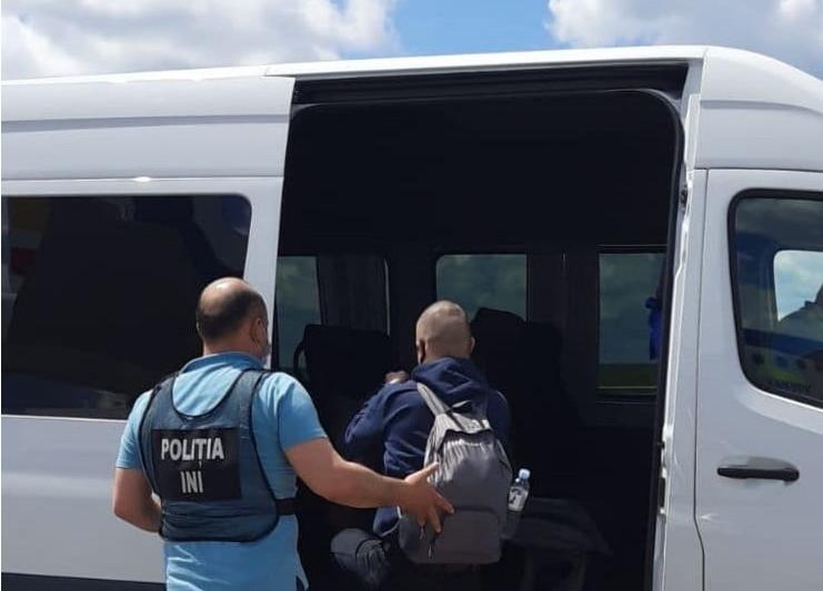 Гражданина Молдовы, обвиняемого в убийстве,  экстрадировали из России. Он скрывался от правосудия 5 лет