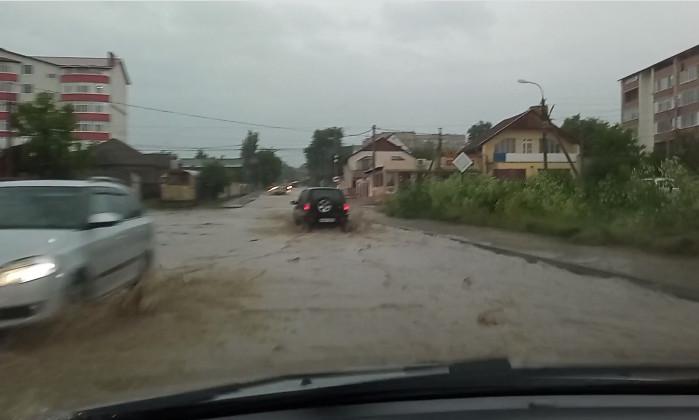 Разгул стихии в Гагаузии: ветер сносил крыши домов и валил деревья