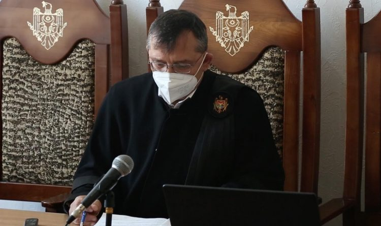 «Затягивал сроки рассмотрения уголовных дел». Судья из Кагула отстранён от должности