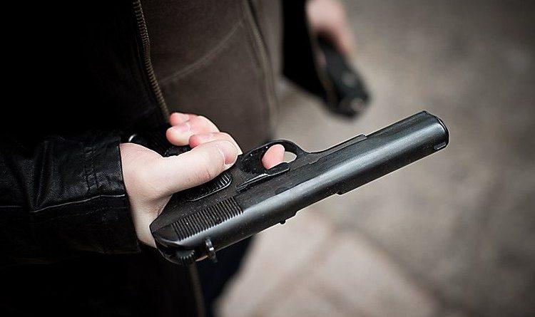 В Кишиневе злоумышленник украл сумку с пистолетом и произвел несколько выстрелов в жилом районе
