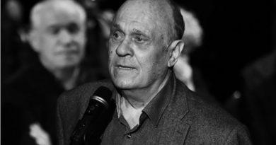 Умер российский режиссер Владимир Меньшов. У него был диагностирован COVID-19