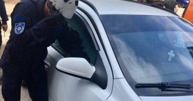 Спасатели вызволили двухлетнего малыша из запертой машины в Бельцах