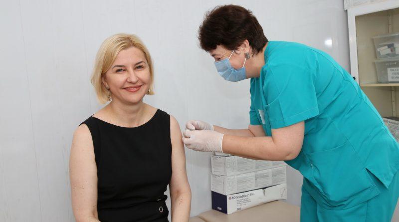 Ирина Влах вакцинировалась от COVID-19